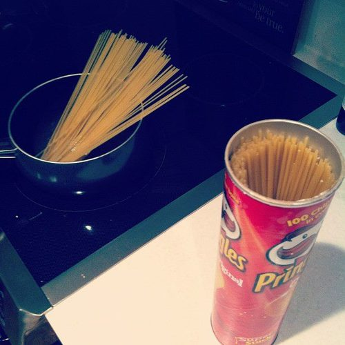 pringles container lifehack